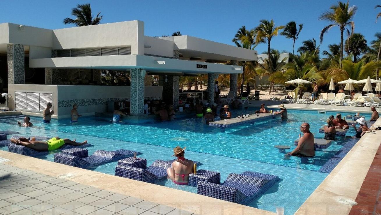 piscina_resort