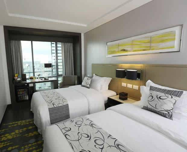 3-Belmont-Hotel-Mobile-Exclusive[1]