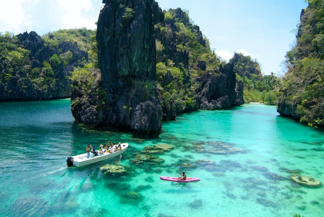 El-Nido-Resorts-Activities-Kayaking-at-the-Big-Lagoon[1]