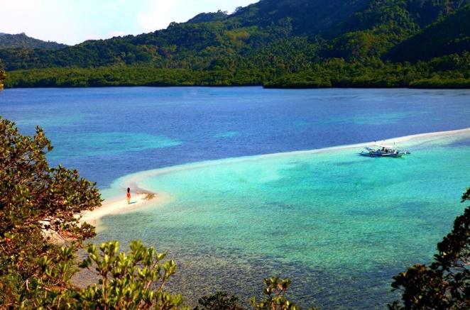 holidayrunway_snakeisland_philippines[1]